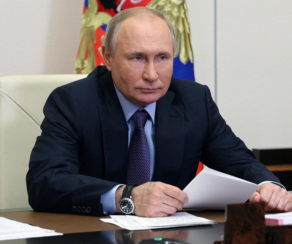 Путин подписал закон об ограничениях для неквалифицированных инвесторов
