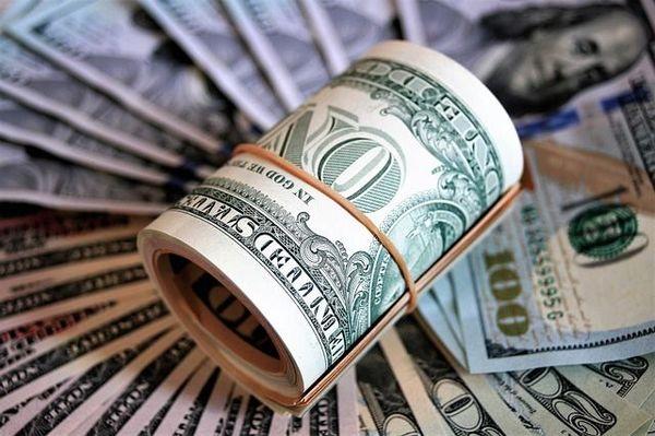 Доллар укрепился на рынке Форекс