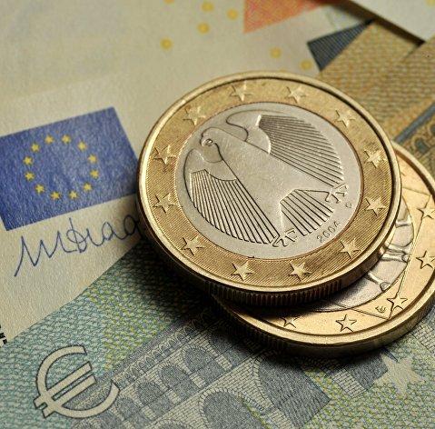Официальный курс евро на пятницу вырос до 88,78 рубля