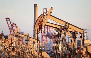 «Саудиты кипят от гнева»: Цены на нефть упали рекордно с марта на фоне раскола в ОПЕК