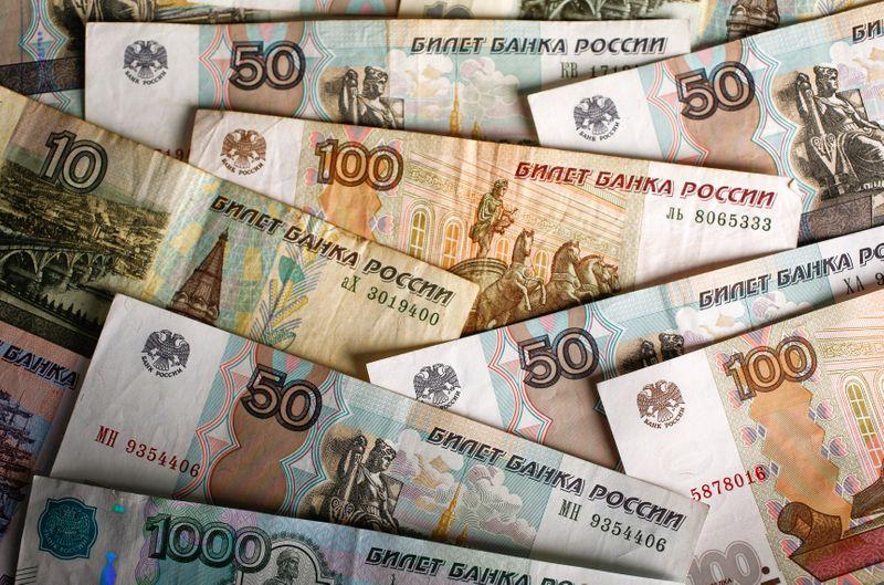 Средний курс доллара США со сроком расчетов «завтра» по итогам торгов составил 72,9585 руб. От IFX