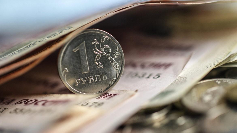Рубль чувствует родство с рекордами газа и нефти